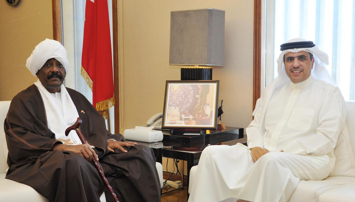 صورة - خبر وزير الإعلام يستقبل السفير السوداني