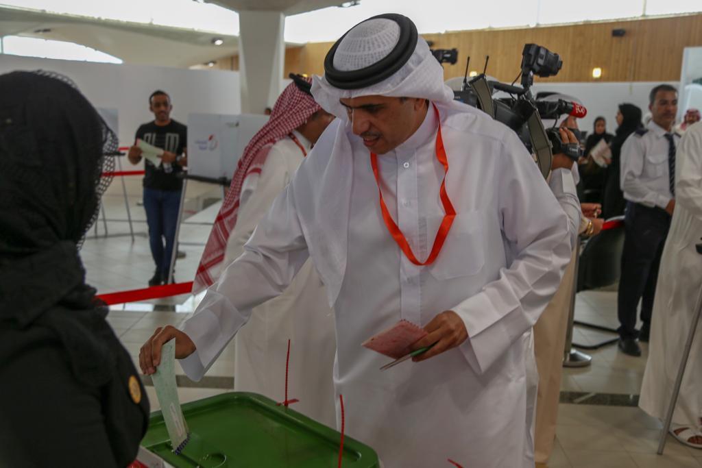 وزير شؤون الإعلام يدلي بصوته في انتخابات ٢٠١٨